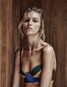 Vogue_Mexico_-_Febrero_2017-1091.thumb.jpg.4a47ba0cd4f3c718e5bc499b37c9ed52.jpg