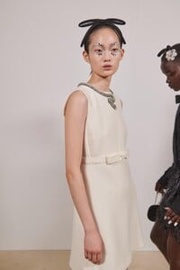 backstage-defile-giambattista-valli-automne-hiver-2020-2021-paris-coulisses-79.thumb.jpg.12b0708aa2ee0e5ded4bb277c34be21f.jpg