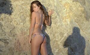 california_woman_brown_sun_hot_sexy_beach_beauty-515283.jpg