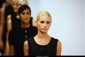 fashion-photography-archive-image-work-image----batch37----fullSize----103617_103617-2_0348_fs.jpg.jpg