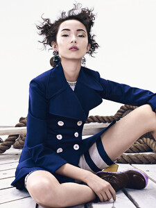 xiao-wen-ju-by-sharif-hamza-for-vogue-china-june-2015-2.thumb.jpg.9d1e4e58746510ce5ea24589e6babf06.jpg