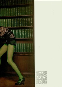 ARCHIVIO - Vogue Italia (December 2004) - Dress Up - 010.jpg