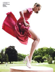 Vogue China (October 2008) - Blame It On Paris - 007.jpg