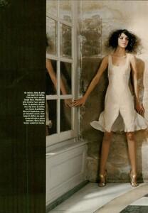 ARCHIVIO - Vogue Italia (February 2004) - Suggestions - 002.jpg