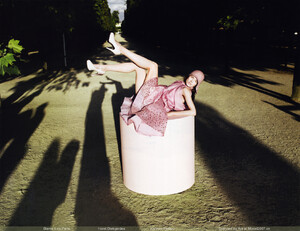 Vogue China (October 2008) - Blame It On Paris - 006.jpg
