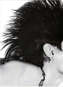 ARCHIVIO - Vogue Italia (November 2007) - Rosario Dawson - 005.jpg