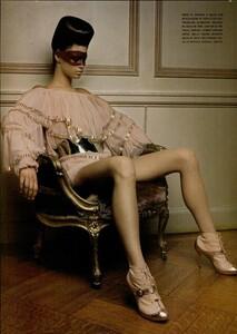 ARCHIVIO - Vogue Italia (December 2004) - Dress Up - 003.jpg