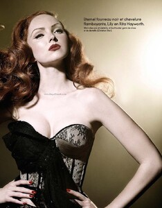 Elle France #3360 (May 21, 2010) - Lily Cole - 002.jpg