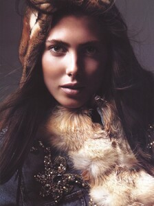 Vogue Italia (October 2005) - Latest News - 011.jpg
