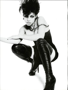 ARCHIVIO - Vogue Italia (November 2007) - Rosario Dawson - 011.jpg