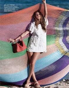 Elle France #3351 (March 19, 2010) - Hello Fun Shine! - 004.jpg