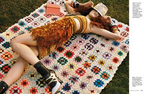 buerony - Elle Italia (January 2011) - Crazy Coco - 003.jpg