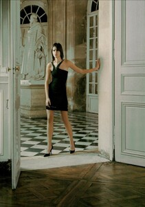 ARCHIVIO - Vogue Italia (February 2004) - Suggestions - 015.jpg