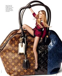 Elle Russia (December 2011) - Object Of Desire - 007.jpg