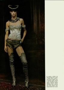 ARCHIVIO - Vogue Italia (December 2004) - Dress Up - 008.jpg