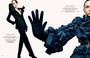 buerony - Elle Italia (September 2008) - Futuro Prossimo - 009.jpg