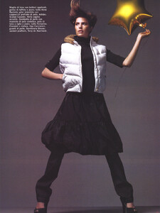 Vogue Italia (October 2005) - Latest News - 006.jpg
