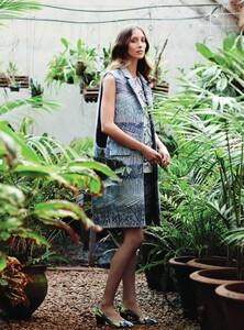 Harper's Bazaar UK - 2014 03-315.jpg