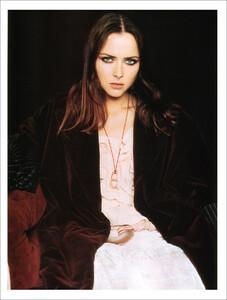 Vogue Spain (November 2001) - Blue Velvet - 006.jpg