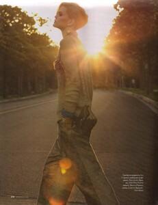 Elle Russia (November 2011) - Jennifer Pugh - 010.jpg