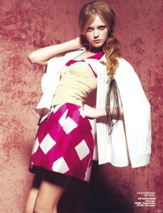 Vogue China (July 2008) - Boudoir Chic - 003.jpg