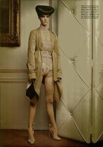 ARCHIVIO - Vogue Italia (December 2004) - Dress Up - 011.jpg