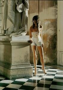 ARCHIVIO - Vogue Italia (February 2004) - Suggestions - 011.jpg
