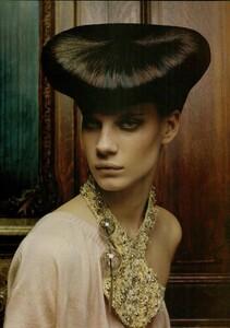 ARCHIVIO - Vogue Italia (December 2004) - Dress Up - 012.jpg