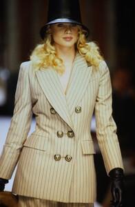 1893815305_Dior-hc-fw-1993(1).thumb.jpg.6cefc9a60fddc00c220f9c9bc7eef5da.jpg