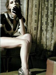ARCHIVIO - Vogue Italia (February 2008) - Jennifer Jason Leigh - 008.jpg