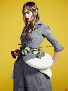 Vogue Korea (December 2012) - Flower Girl - 003.jpg