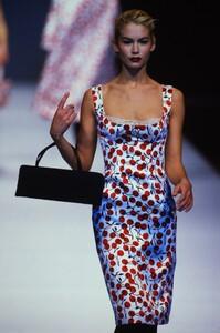 2071508531_dolce-gabbana-fall-1996(16).thumb.jpg.06dbb577af4d69ebabecee9739401a8f.jpg
