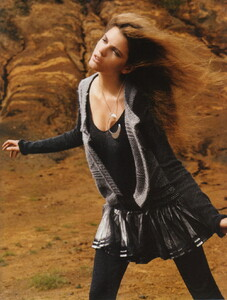 Vogue UK (November 2006) - Clean Slate - 010.jpg