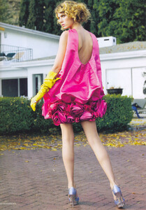 Vogue UK (May 2007) - Colour Vision - 007.jpg
