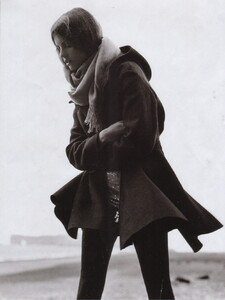 Vogue UK (November 2006) - Clean Slate - 003.jpg