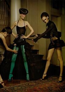 ARCHIVIO - Vogue Italia (December 2004) - Dress Up - 002.jpg