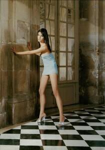 ARCHIVIO - Vogue Italia (February 2004) - Suggestions - 003.jpg