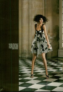ARCHIVIO - Vogue Italia (February 2004) - Suggestions - 010.jpg