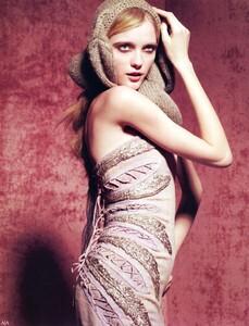 Vogue China (July 2008) - Boudoir Chic - 002.jpg