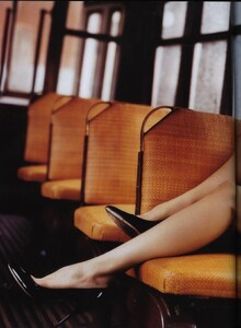 Vogue UK (April 2006) - The Shining - 003.jpg