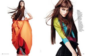 buerony - Elle Italia (January 2011) - Energy Coco - 006.jpg