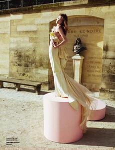Vogue China (October 2008) - Blame It On Paris - 002.jpg