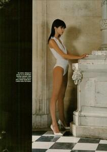 ARCHIVIO - Vogue Italia (February 2004) - Suggestions - 018.jpg