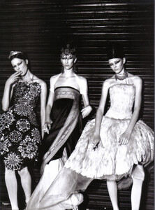Vogue Italia (August 2008) - The Fun And The Chic - 013.jpg