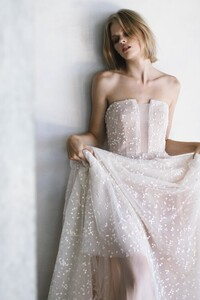 Dan+Jones+Bridal+2018+Collection+_+the+LANE+campaign+_+Schiffer+dress+3.jpg