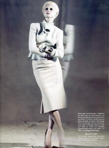 Vogue Germany (September 2008) - Neo Klassisch  - 004.jpg