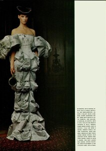 ARCHIVIO - Vogue Italia (December 2004) - Dress Up - 006.jpg