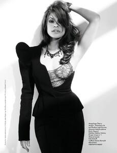 Elle France #3432 (October 07, 2011) - Alerte A La Bombe - 006.jpg