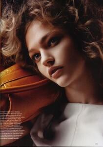 Vogue UK (April 2006) - The Shining - 002.jpg
