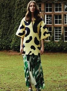 Harper's Bazaar UK - 2014 03-310.jpg